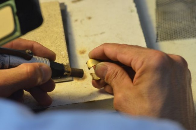 ליטוש טבעת בתהליך עבודה