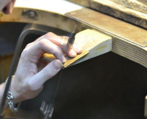 ניסור רצועה ליצירת טבעת