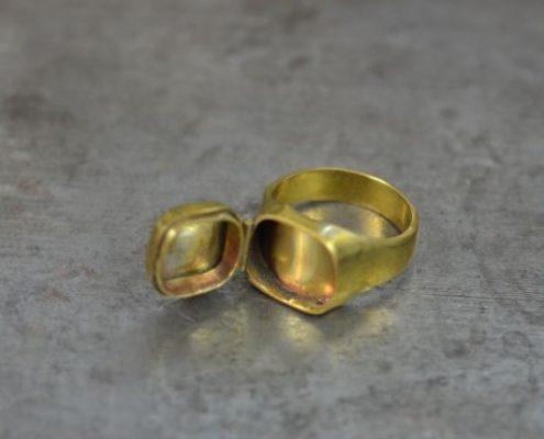 טבעת קופסא מפליז עם ציר- לפני גימור