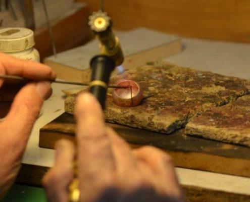תהליכי עבודה בסדנא: תיקון טבעת קמורה בהלחמה