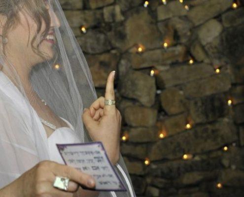 טבעת נישואין בעבודת יד בשילוב כסף וזהב טהור